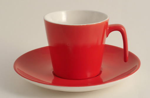 elegante rote kaffeetasse aus porzellan. Black Bedroom Furniture Sets. Home Design Ideas